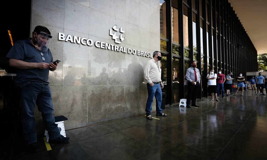 Com a taxa Selic na mínima histórica, variações negativas são percebidas pelos investidores em títulos do Tesouro Foto: Pablo Jacob / Agência O Globo