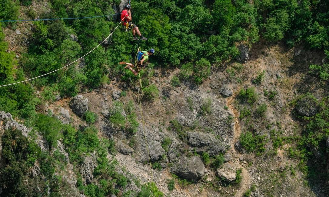 Prática de rope jumping em Imotski, na Croácia Foto: Fred Marie/Art in All of Us / Corbis via Getty Images