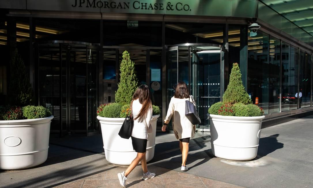O JPMorgan Chase lançou iniciativa para apoiar comunidades negras e latinas nos EUA Foto: Michael Nagle / Bloomberg