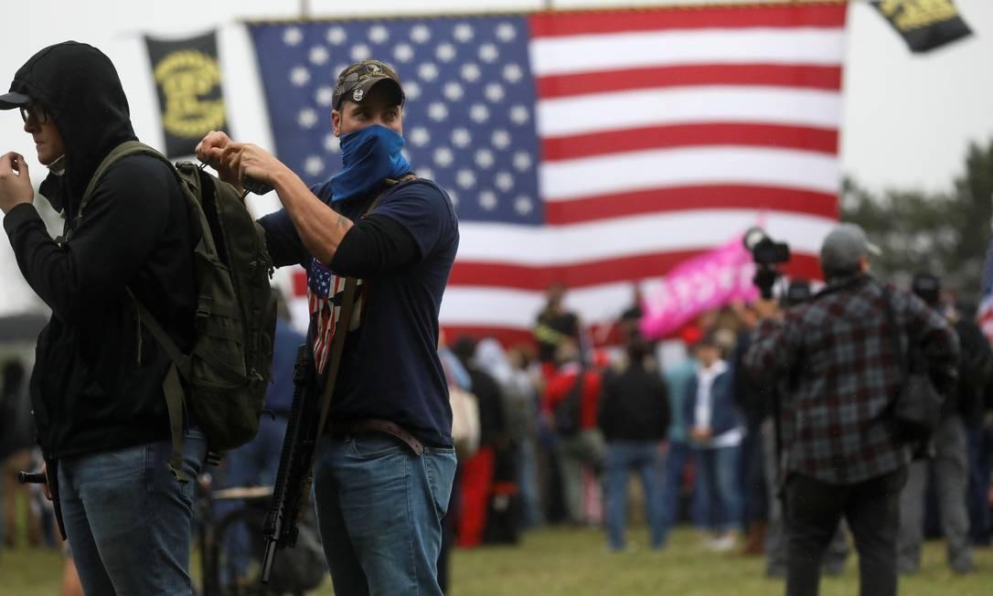 Membros da milícia Proud Boys em um encontro do grupo em Portland, no estado de Oregon Foto: LEAH MILLIS / REUTERS