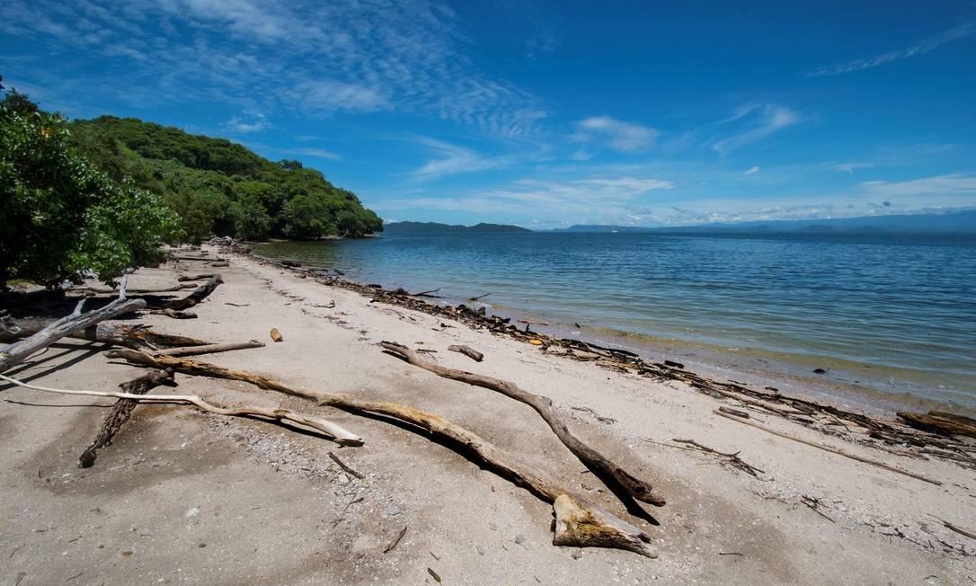 Vista de uma das praias desertas na Ilha San Lucas, na Costa Rica Foto: Ezequiel Becerra / AFP