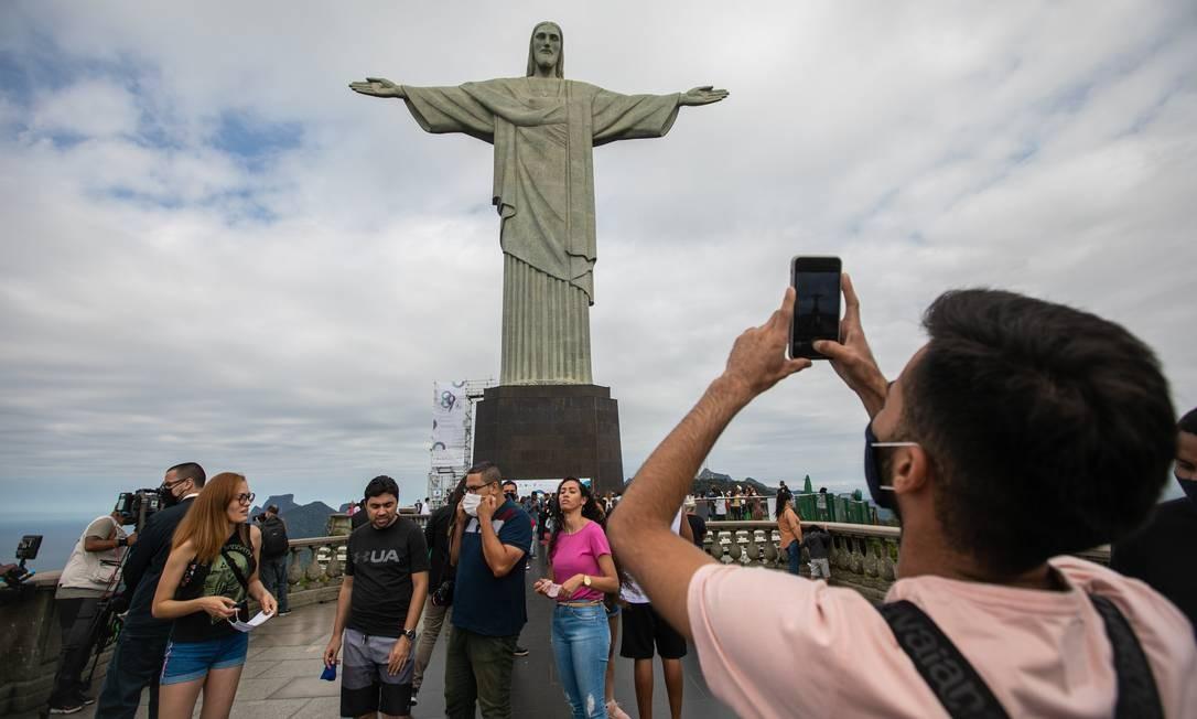 Os 89 anos do monumento do Cristo Redentor são celebrados com uma programação que teve início à 0h desta segunda-feira e vai até esta terça-feira Foto: Brenno Carvalho / Agência O Globo
