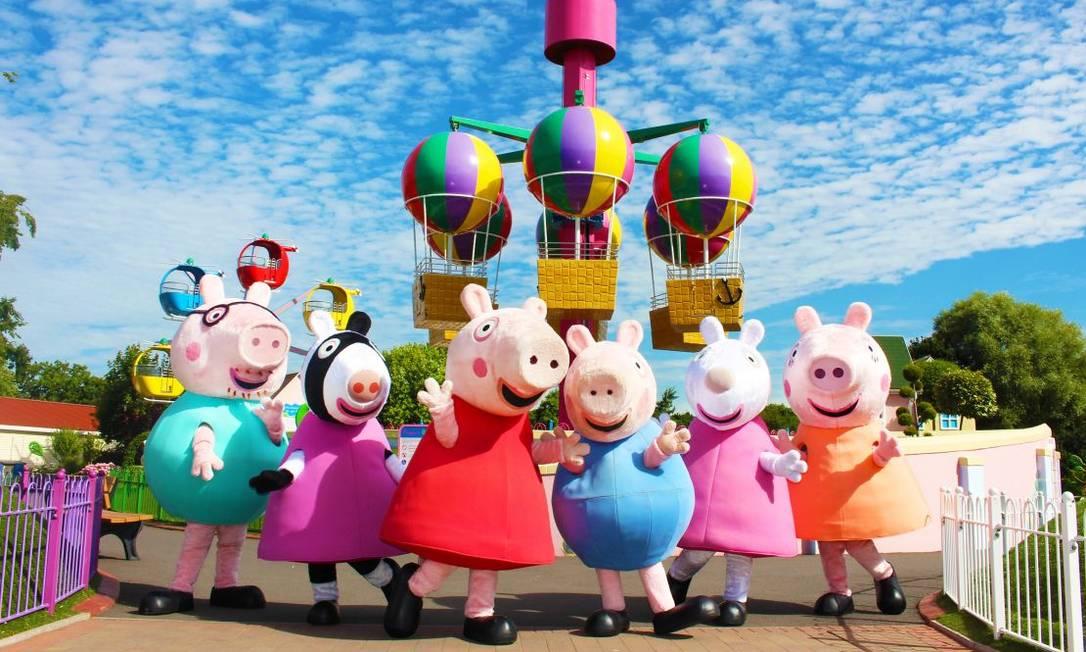 Personagens do Peppa Pig World, parque temático na Inglaterra inspirado no famoso desenho animado Foto: Divulgação