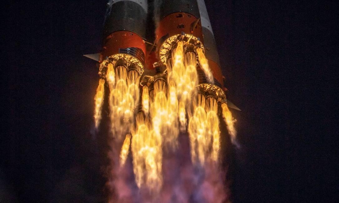 Antes do recorde russo de três horas e três minutos, as viagens entre a Terra e a Estação Espacial duravam, no mínimo, seis horas Foto: RUSSIAN SPACE AGENCY ROSCOSMOS / AFP