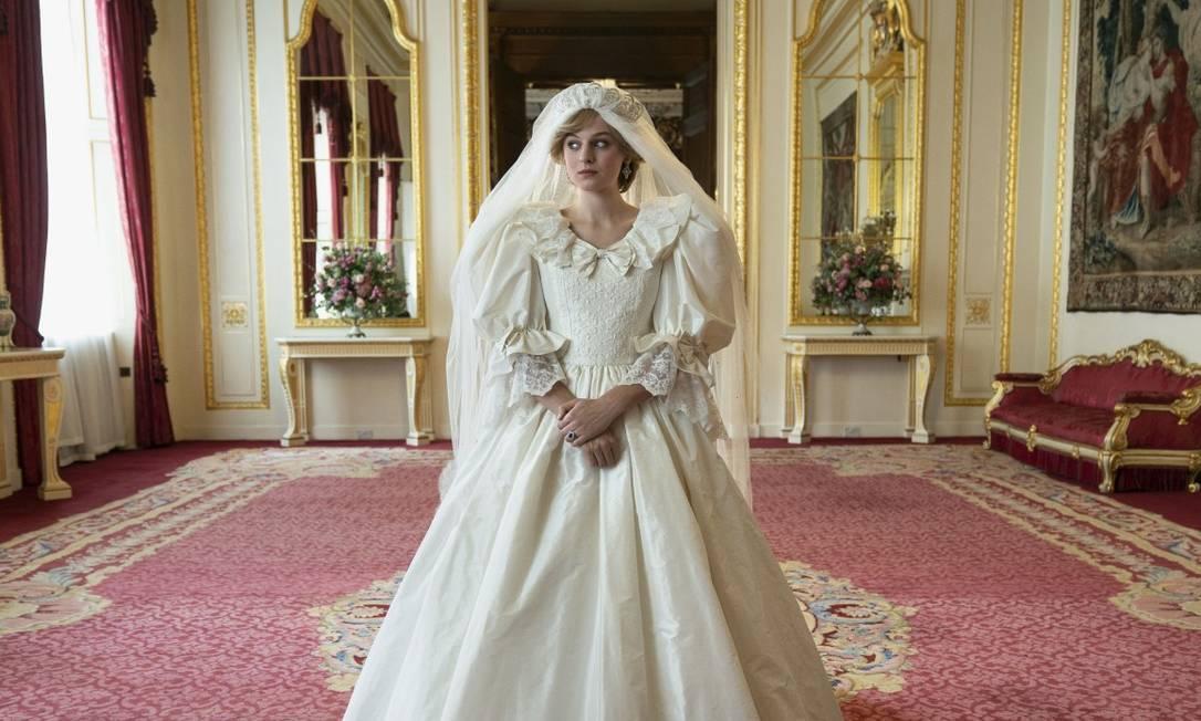 Emma Corrin em cena do casamento de Diana Spencer Foto: Des Willie/Netflix
