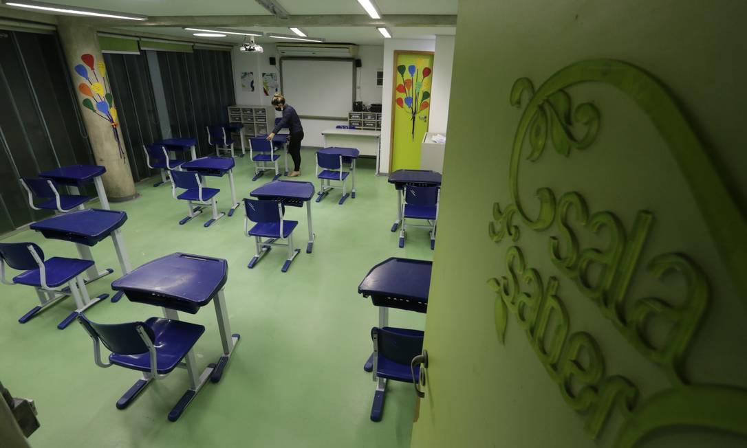 Escolas particulares foram autorizadas a retornar às aulas presenciais em parte de suas turmas; na foto, sala do Colégio Mopi Foto: Domingos Peixoto em 20.07.2020 / Agência O Globo