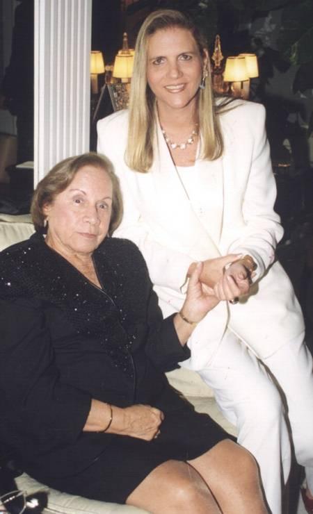 Florinda Barbosa e Maninha Barbosa, em 1999 Foto: Marcelo Borgongino / Agência O Globo