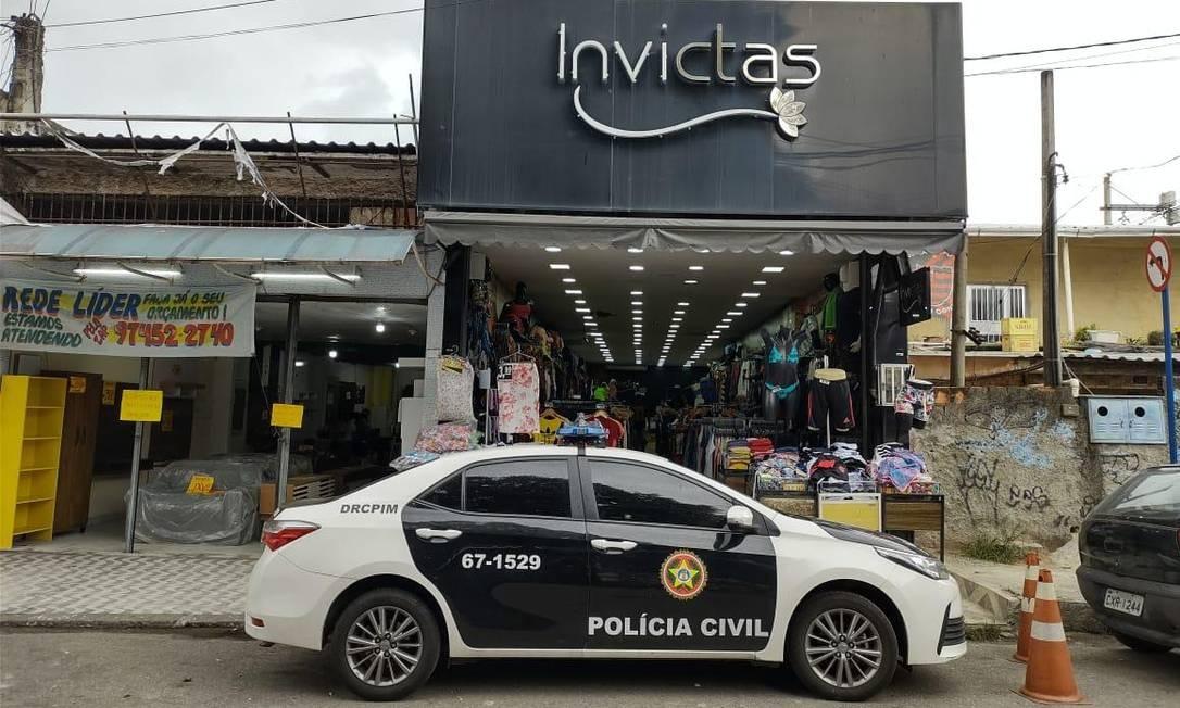Equipe da Polícia Civil durante operação contra braço financeiro da milícia na Baixada Fluminense Foto: Reprodução