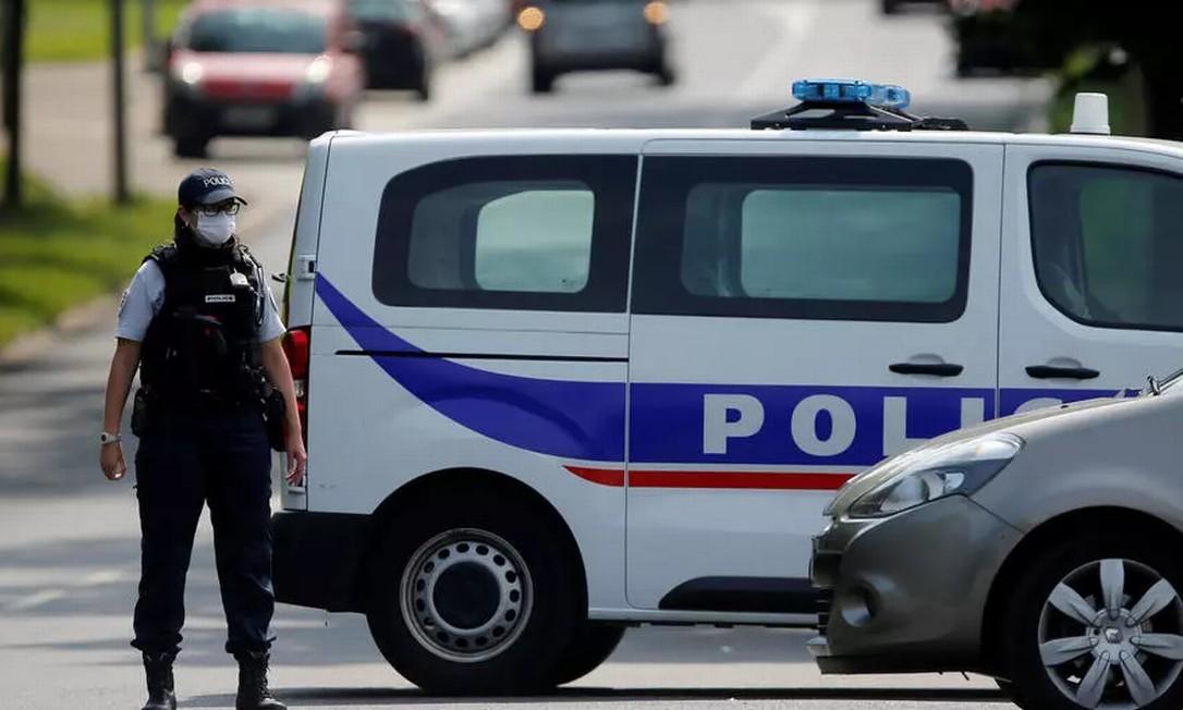 Homem, que segundo as primeiras informações seria um professor, foi decapitado nos arredores de Paris, onde um perímetro de segurança foi instalado (imagem ilustrativa) Foto: REUTERS/Vincent Kessler