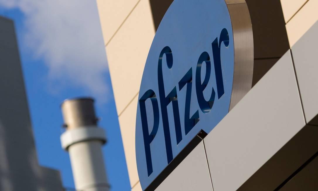 A farmacêutica Pfizer está desenvolvendo uma vacina contra Covid-19 em parceira com a alemã BioNTech Foto: DOMINICK REUTER / AFP