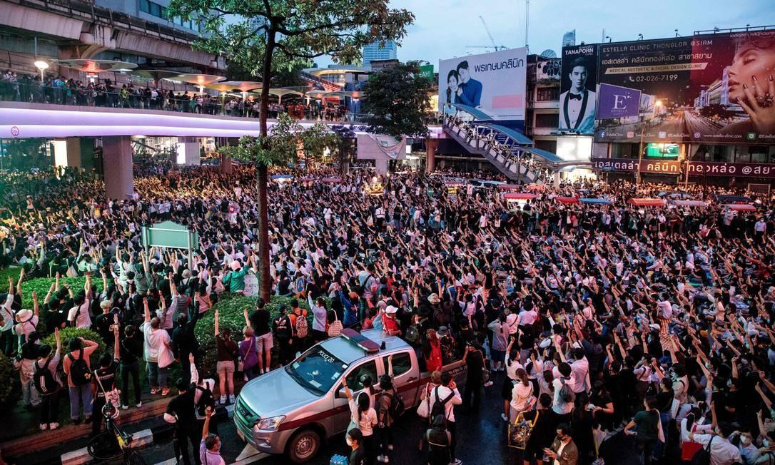 Manifestantes antigoverno na Tailândia ocupam as ruas de Bangcoc Foto: Jack Taylor / AFP