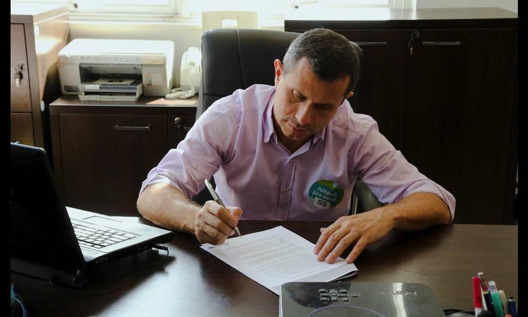 Felipe Peixoto é candidato à prefeitura pela terceira vez seguida: após décadas de militância no PDT, hoje ele está no PSD Foto: Divulgação