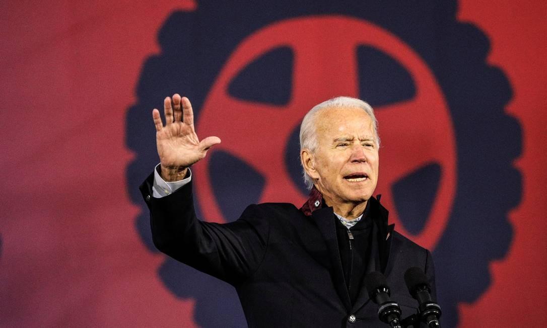 Biden em campanha em Michigan Foto: TOM BRENNER / REUTERS