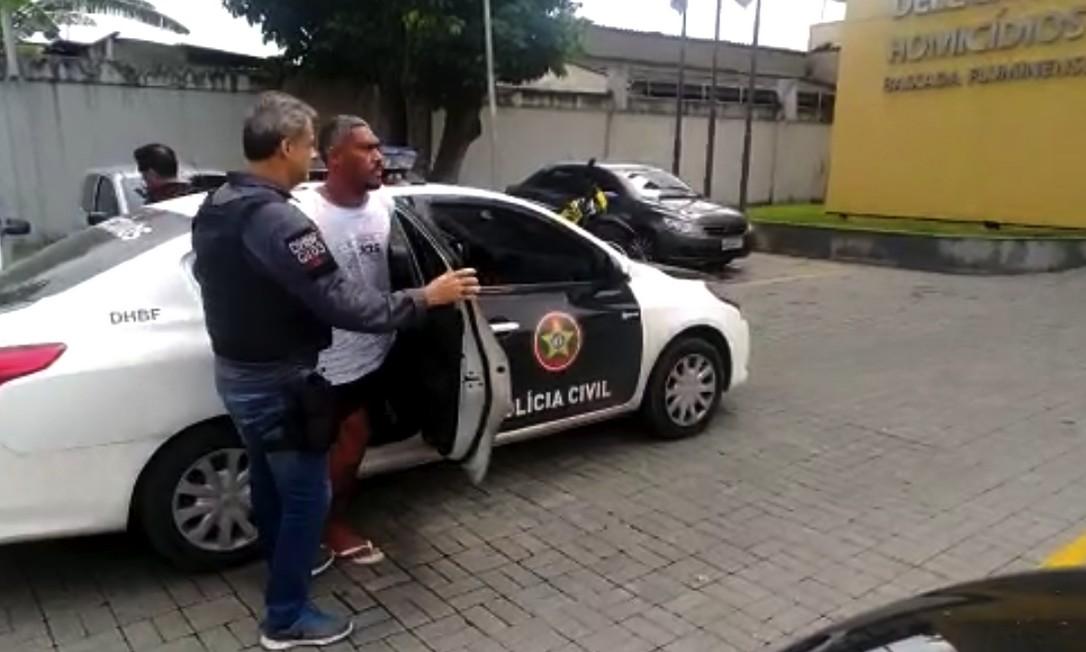 Miliciano conhecido como Anjinho foi preso neste sábado, suspeito de matar desafeto com dois tiros no ano passado Foto: Divulgação