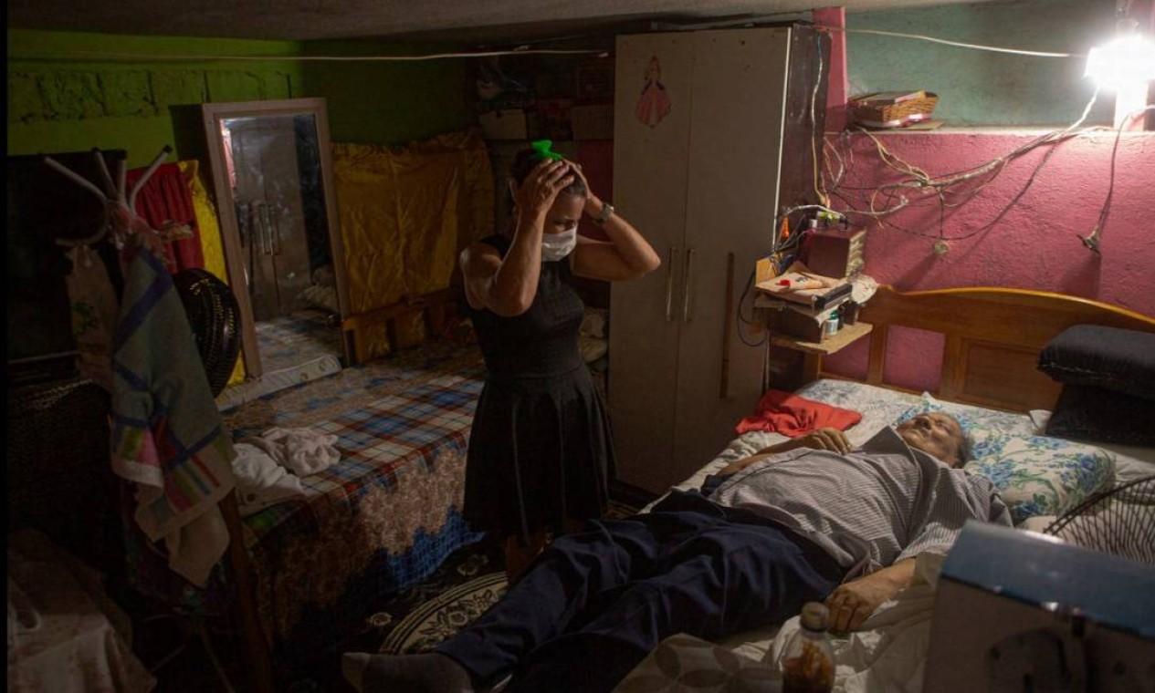 Fotografia do trabalho 'Durante crise da Covid-19, mais de 30% dos óbitos ocorrem em casa em Manaus', de Yan Boechat, do GLOBO Foto: Yan Boechat