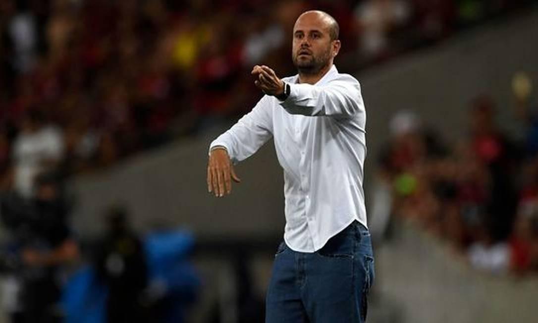 Palmeiras se aproxima de acerto com Miguel Ramírez; técnico já planeja montagem do time