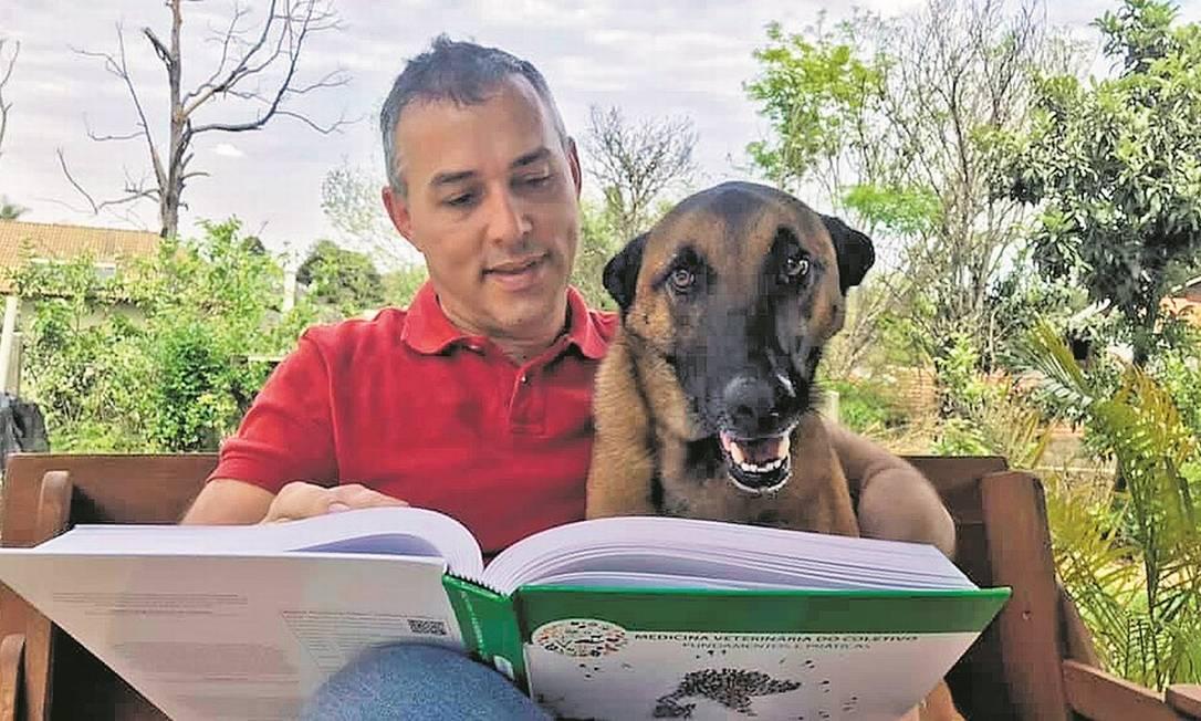 Alexander Biondo, da Universidade Federal do Paraná, está à frente do maior estudo já feito no país para investigar a Covid-19 em cães e gatos Foto: Divulgação