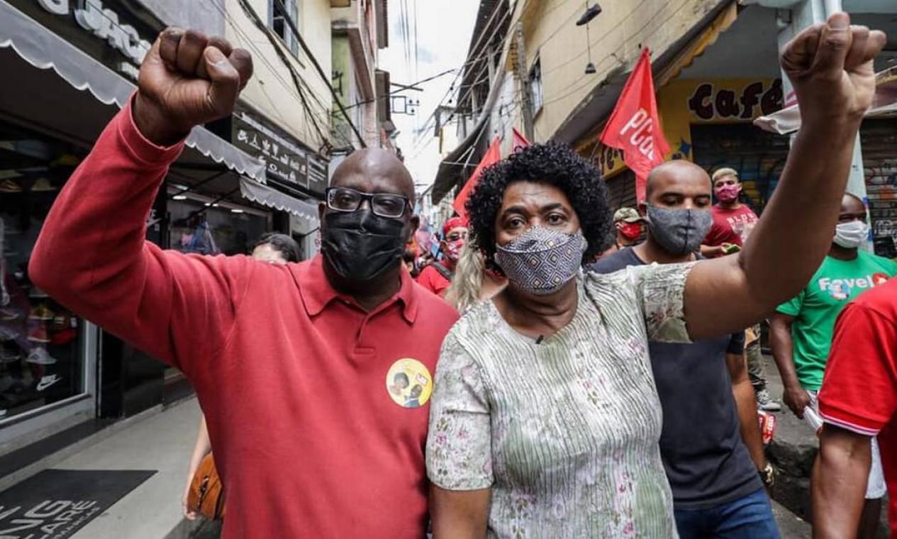 Benedita durante caminhada pelo Jacarezinho, na Zona Norte da cidade Foto: Wagner Silva / Divulgação - 18/10/2020