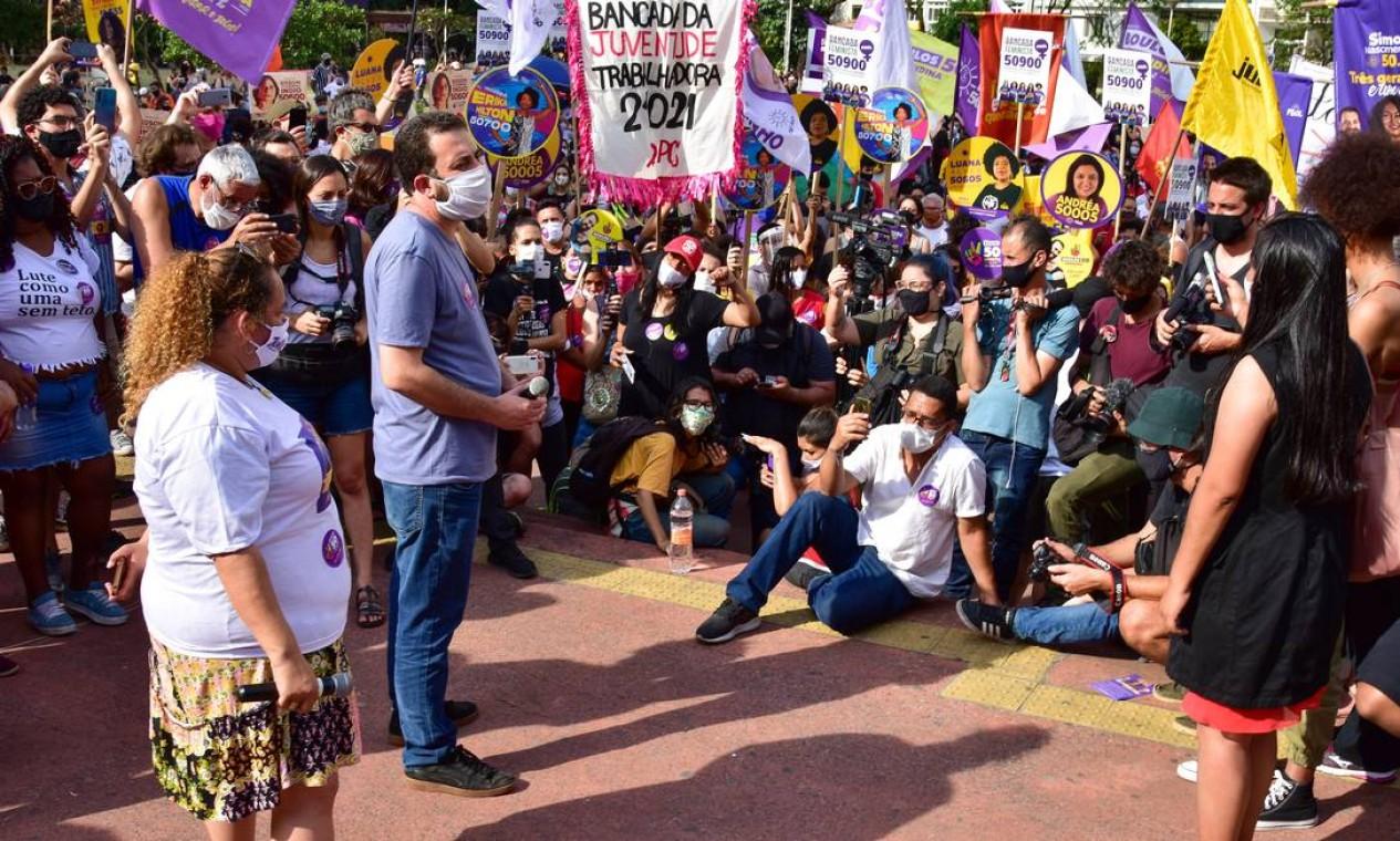 Boulos faz o lançamento de sua campanha com ato político na Praça Roosevelt, no centro de São Paulo Foto: Roberto Casimiro / Fotoarena / Agência O Globo - 27/09/2020