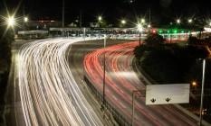 Linha Amarela, por onde passam 300 mil veículos por dia, é administrada pelo município desde 16 de setembro Foto: Brenno Carvalho / Agência O Globo