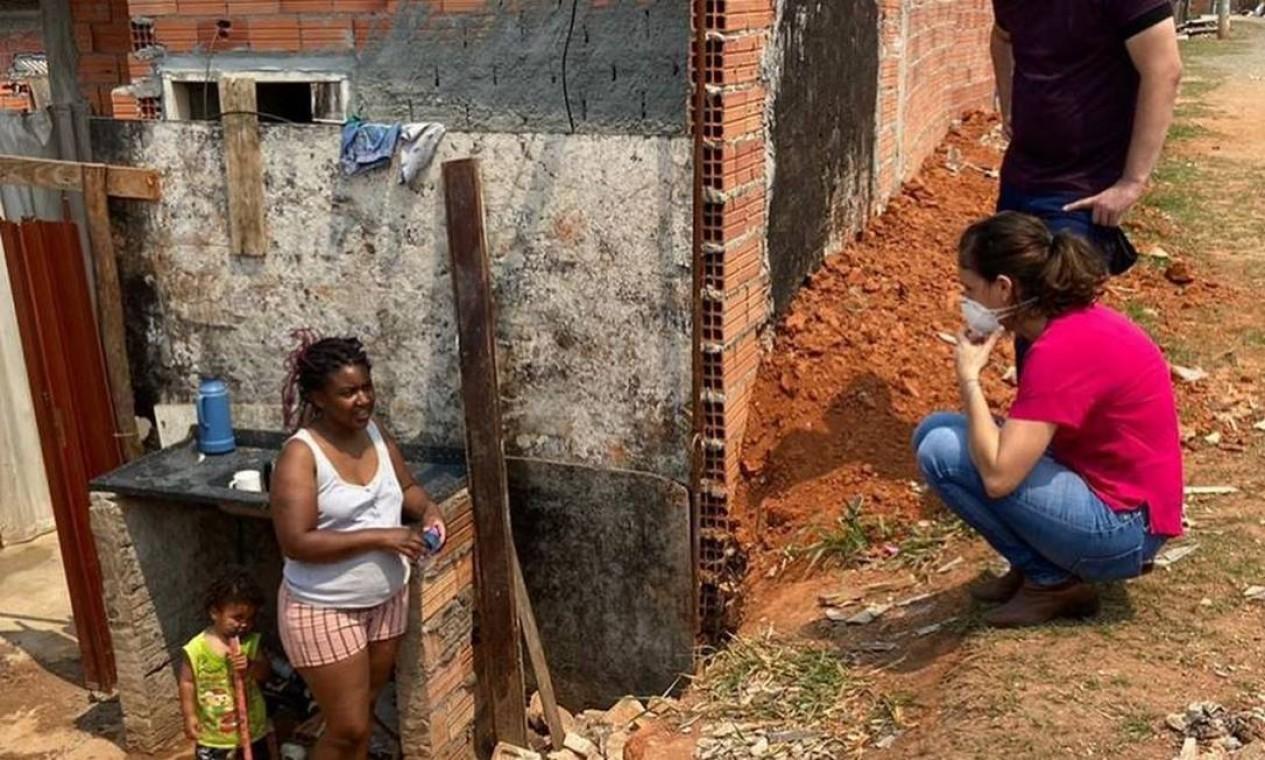 Marina conversa com eleitora do bairro Jaguaré, na Zona Leste de São Paulo Foto: Reprodução / Redes Sociais - 02/10/2020