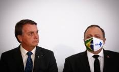 O presidente Jair Bolsonaro ao lado do ministro da Saúde, Eduardo Pazuello Foto: Pablo Jacob / Agência O Globo