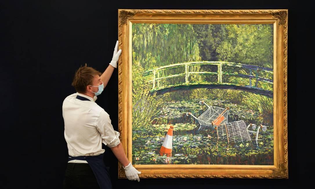 'Show Me The Monet'; releitura produzida por Banksy em 2005 Foto: Michael Bowles / Getty Images for Sotheby's