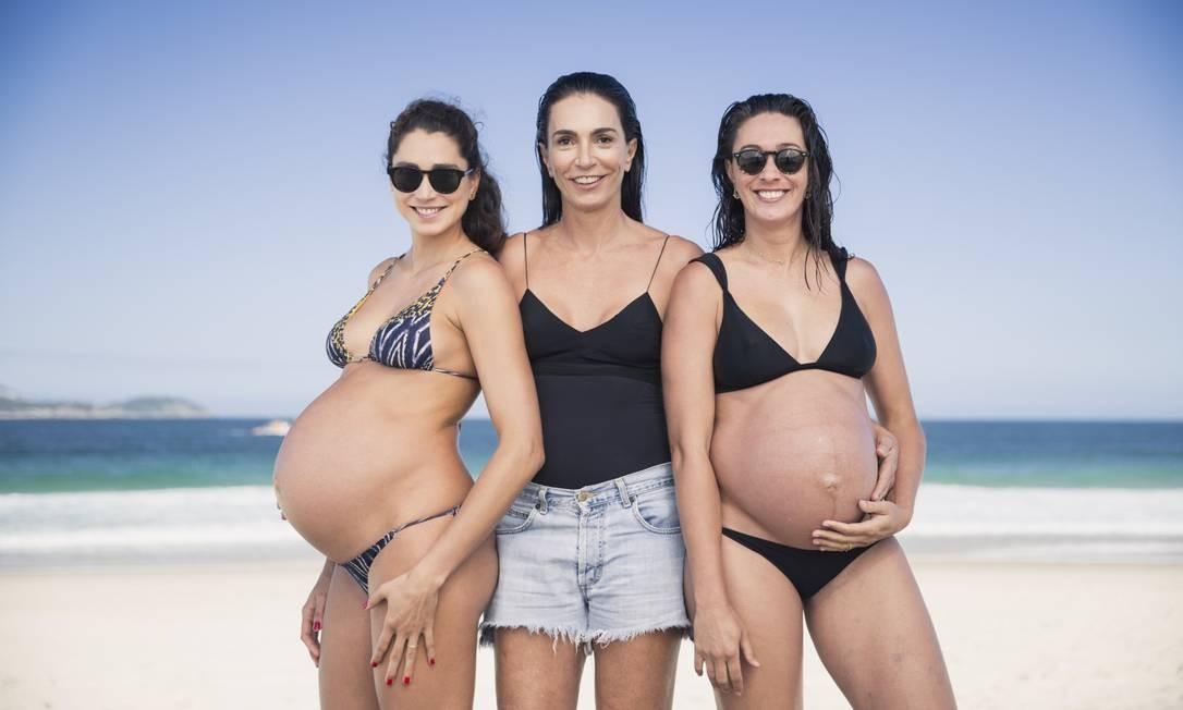 Isabel entre as filhas Carol e Maria Clara, em 2016 Foto: Fernando Young