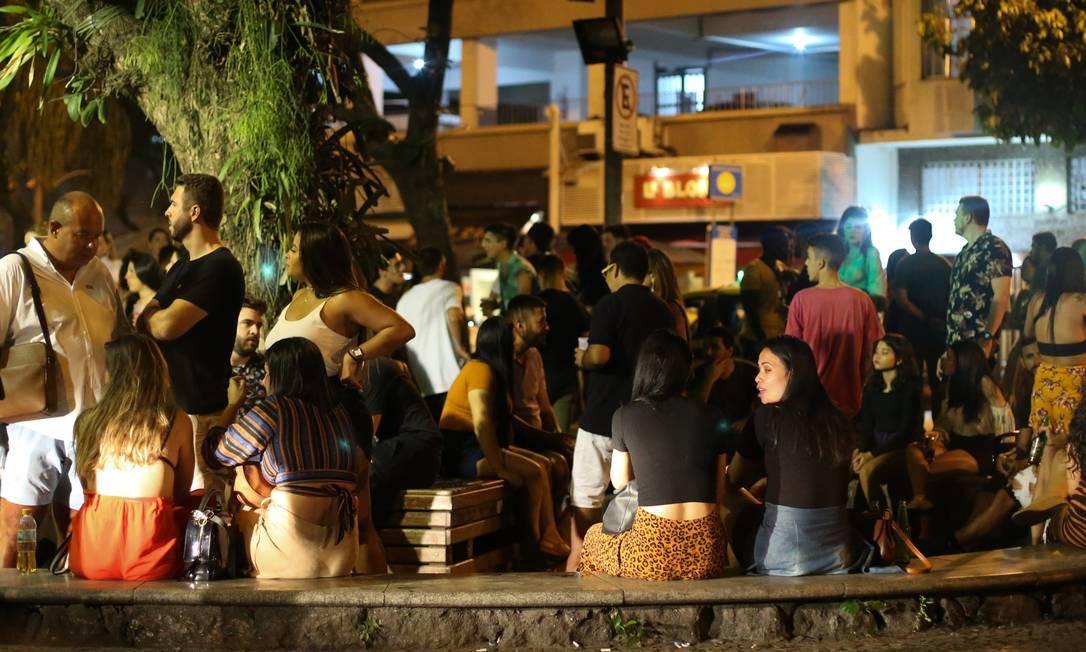 Bares com movimentação na Rua Dias Ferreira no Leblon. Foto: Pedro Teixeira 12-09-2020 / Agência O Globo