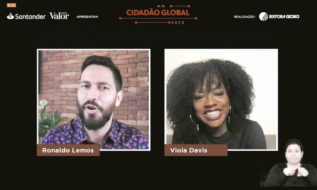 Ronaldo Lemos no bate-papo com Viola Davis no Cidadão Global 2020 Foto: Reprodução