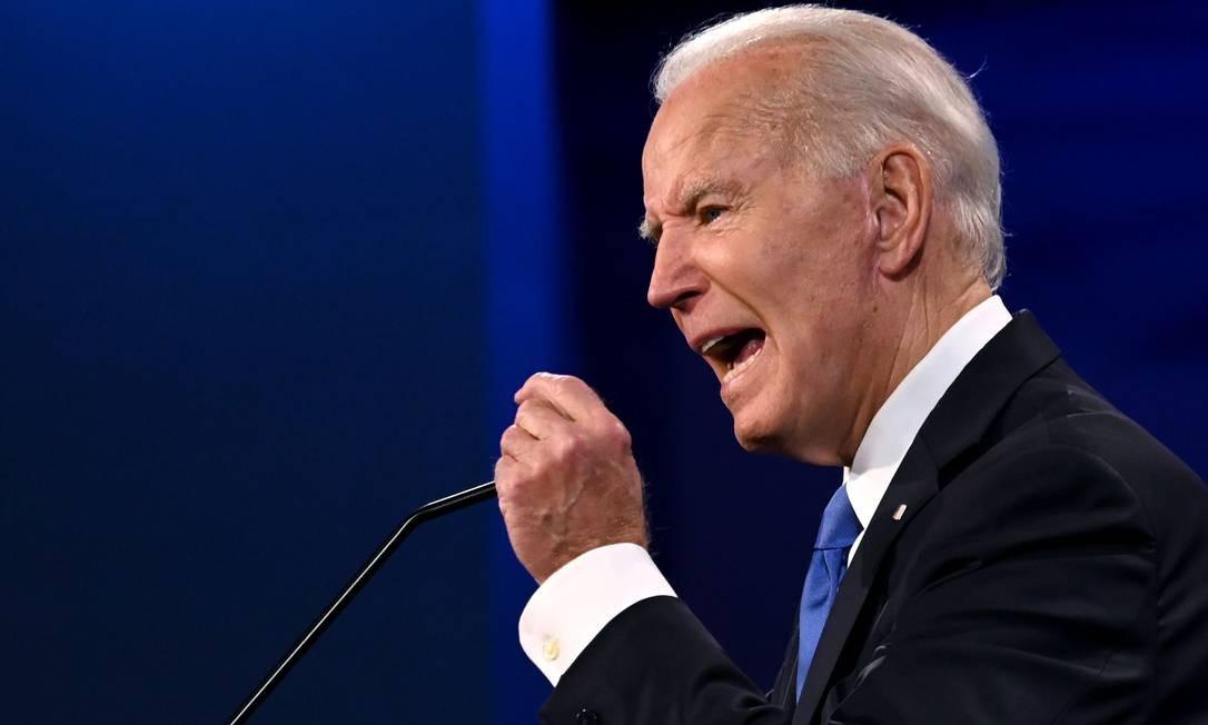 O democrata Joe Biden atacou a gestão da Casa Branca durante a pandemia no último debate presidencial dos EUA, realizado na Universidade Belmont, em Nashville Foto: JIM WATSON / AFP