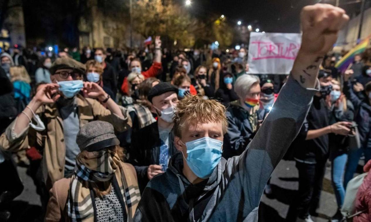 Com decisão, Polônia se torna único país da UE além da minúscula Malta a restringir severamente o acesso ao aborto Foto: WOJTEK RADWANSKI / AFP