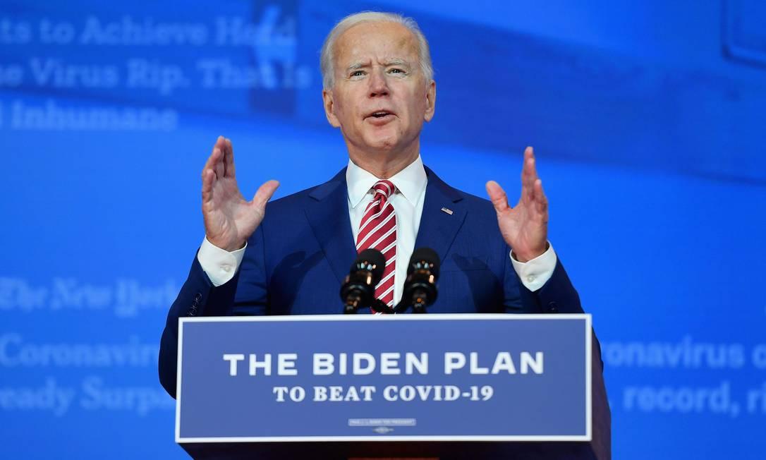 O candidato democrata à Presidência dos EUA, o ex-vice Joe Biden, em discurso que anunciou seu plano para conter pandemia Foto: ANGELA WEISS / AFP