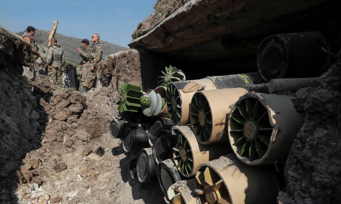 Soldados de etnia armênia se posicionam na linha de frente em Nagorno-Karabakh Foto: STRINGER / REUTERS/20-10-2020