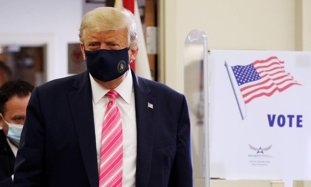 Presidente Donald Trump votou antecipadamente em uma biblioteca West Palm Beach, na Flórida. Foto: TOM BRENNER / REUTERS