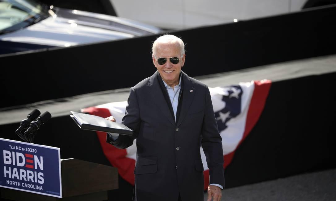 Biden participa de evento de mobilização de eleitores na Riverside High School em Durham, Carolina do Norte Foto: TOM BRENNER / REUTERS/18-10-2020
