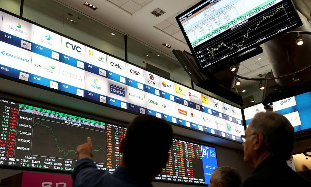No mês passado, alguns fundos DI fecharam no vermelho, o que assustou os investidores mais conservadores. Foto: Amanda Perobelli / Reuters