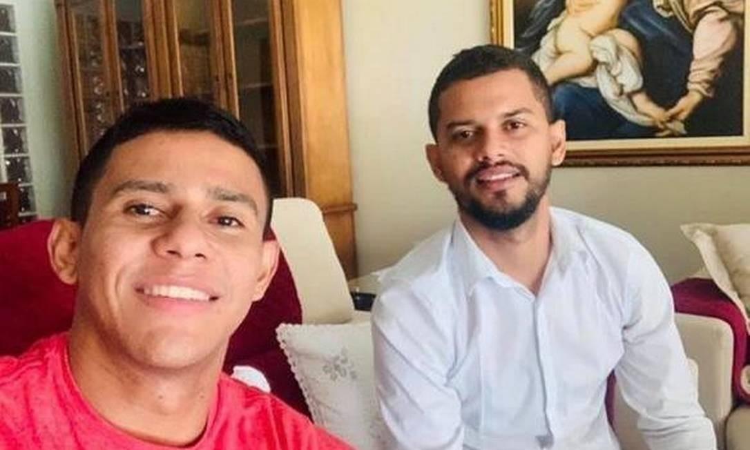 Os irmãos João Bosco Rodrigues Junior e Jemison Portela dos Santos, que tiveram a prisão decretada pela Justiça Foto: Reprodução