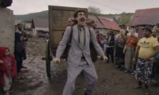 Sacha Baron Cohen interpreta um jornalista antissemita em 'Borat 2' Foto: Reprodução