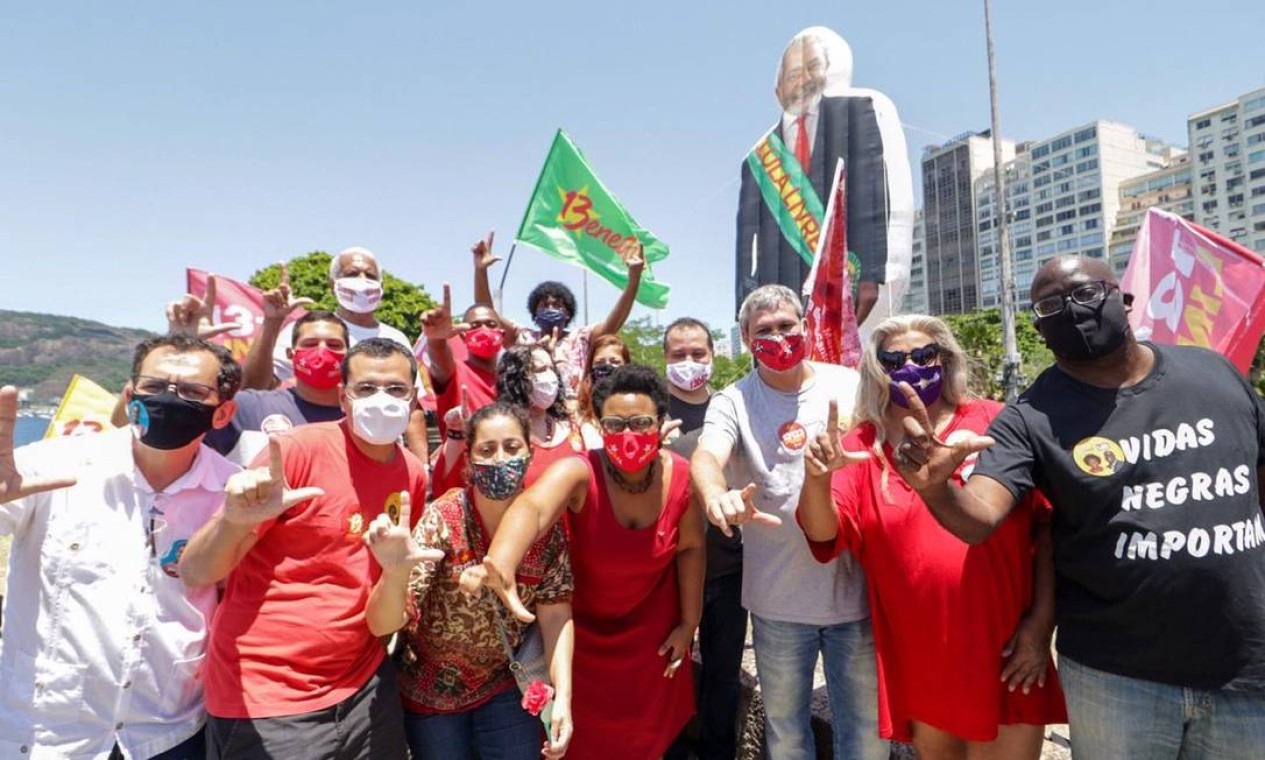 Ato em comemoração ao aniversário do ex-presidente Lula, no Aterro do Flamengo, Zona Sul do Rio Foto: Reprodução / Redes Sociais - 27/10/2020