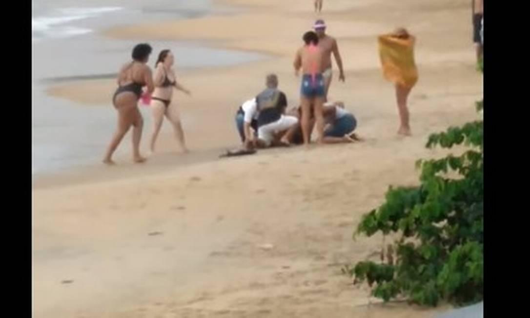 Menina de 4 anos foi atingida por um raio enquanto brincava na praia e não resistiu Foto: Reprodução/Redes Sociais