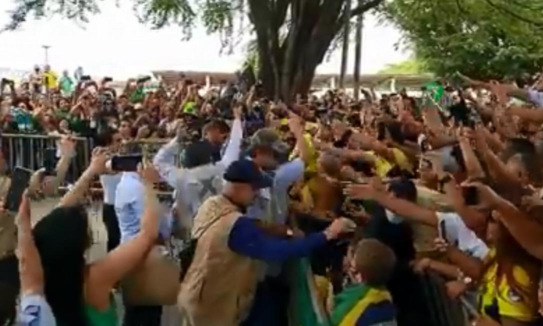 Bolsonaro é recebido por apoiadores na capital maranhense Foto: Reprodução/ Redes sociais