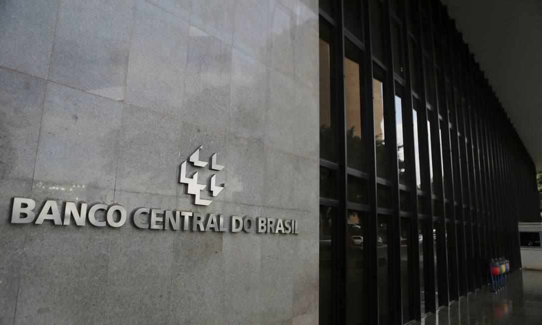 A relação dívida/PIB é a maior da série histórica do BC Foto: Jorge William / Agência O Globo