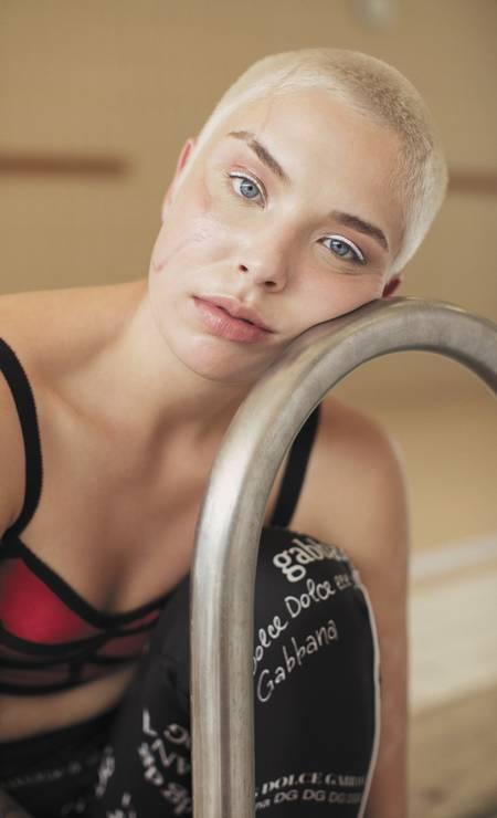 Top e calça, ambos Dolce & Gabbana Foto: Sher Santos