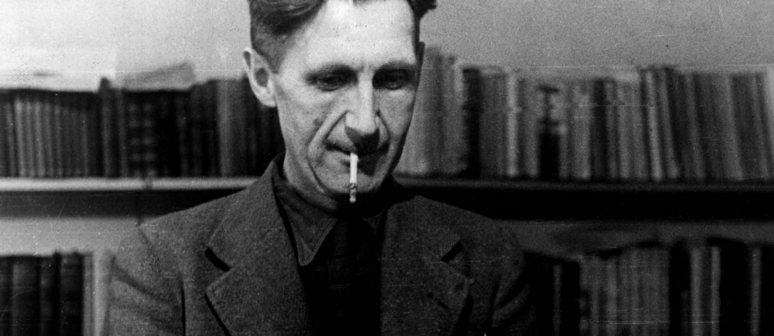 """George Orwell, autor de distopias que não saem da lista de mais vendidos, como """"A revolução dos bichos"""" e """"1984"""" Foto: Mondadori/Divulgação"""