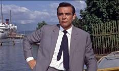 Sean Connery foi o primeiro ator a interpretar James Bond no cinema, em 'O Satânico Dr No', de 1962. Ele faria ainda mais seis filmes da franquia: 'Moscou contra 007' (1963), '007 contra Goldfinger' (1964), '007 contra a chantagem atômica' (1965), 'Com 007 só se vive duas vezes' (1967), '007 Os diamantes são eternos' (1971), '007 - nuncamais outra vez' (1981). Foto: Reprodução