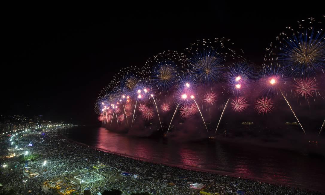 Fogos de artifício no réveillon do Rio estão descartados esse ano Foto: Alexandre Cassiano / Agência O Globo