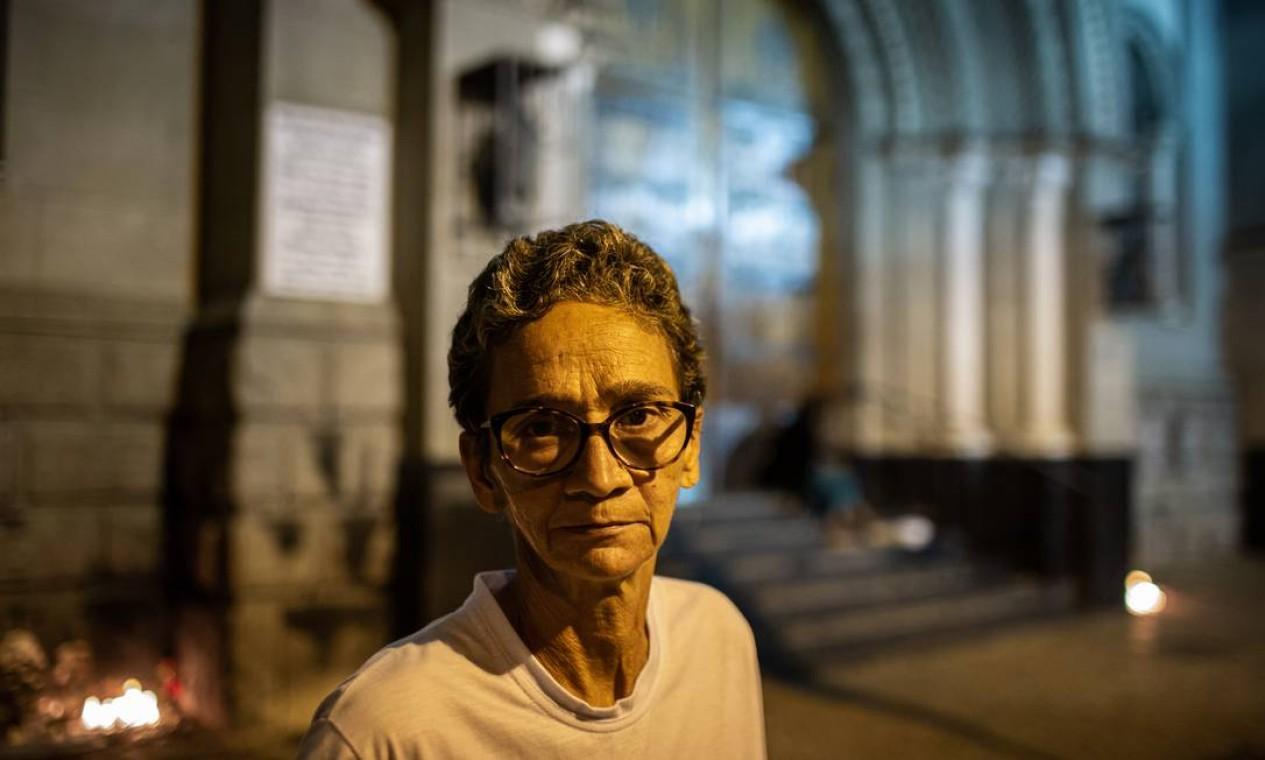 Ex-moradora de rua, Vania Rosa criou projeto para distribuir comida para população vulnerável Foto: Hermes de Paula / Agência O Globo
