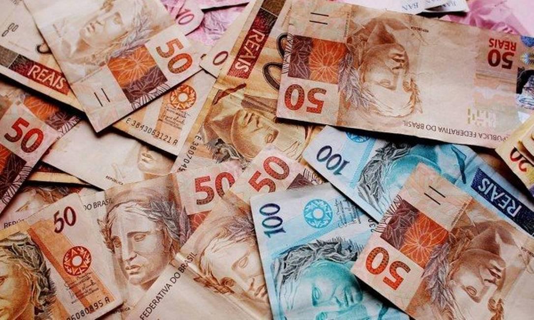 Dívidas poderão ser negociadas em bloco com todos os credores, garantido a consumidor mínimo para subsistência Foto: Arquivo