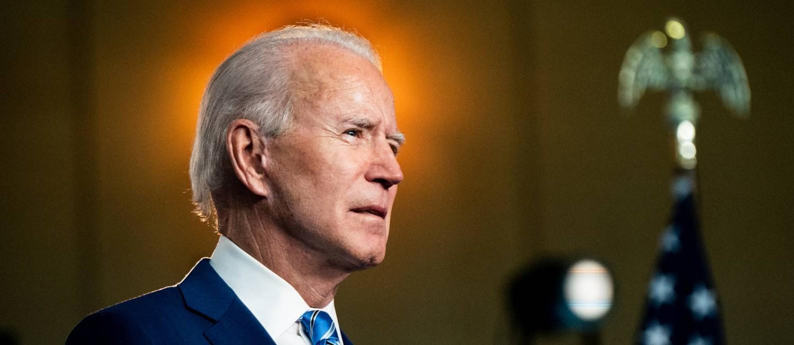 O presidente eleito dos Estados Unidos, Joe Biden, em pronunciamento à nação antes do resultado oficial em Wilmington Foto: ERIN SCHAFF / Agência O Globo